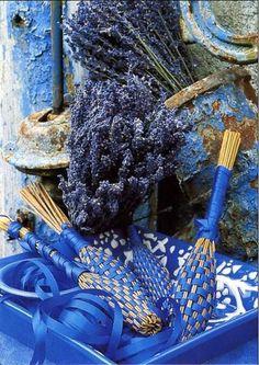 http://a404.idata.over-blog.com/570x804/0/51/11/65/bleu/Fuseaux-de-lavande.jpg