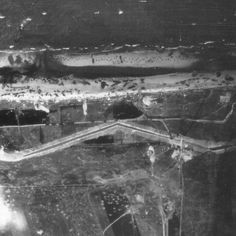 Omaha Beach: arial view, Exit E1, 6 june 1944 at 1230 hrs.