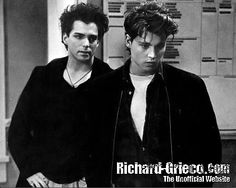 Richard Grieco ( Booker ) and Johnny Depp (Tom Hanson ) in 21 Jump Street <3