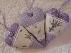 ✿⊱~♥♥Вдохновение каждый день!♥♥✿⊱~ Levander lavande lavender france purple provence cottage rustic Lavender Crafts, Lavender Bags, Lavender Sachets, Lavender Cottage, Patchwork Heart, Scented Sachets, Fabric Hearts, Cross Stitch Heart, All Things Purple