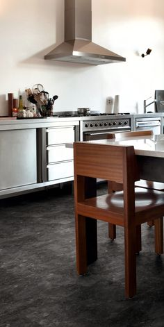 Doprodej skladových zásob vinylové podlahy  Expona Domestic 5910 Silver Slate Slate, Office Desk, Table, Silver, Furniture, Home Decor, Chalkboard, Desk Office, Decoration Home