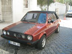 Sahibinden Satılık Volkswagen Golf 1.8 Highline    Detaylar:http://www.tasit.com/sahibinden-ikinciel-araba/volkswagen-golf/326801.html