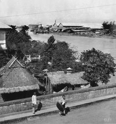 Looking down the Pasig River, from south end of Ayala Bridge, showing corner of Lawton's house on left. Pictures To Paint, Old Pictures, Old Photos, Vintage Pictures, Philippines Culture, Manila Philippines, Philippine Architecture, Philippine Holidays, The Spanish American War