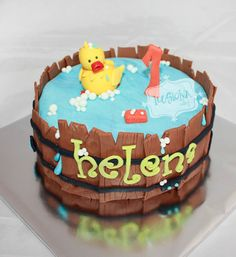 A cool bath duck for Helena. | Cakes excited. Decoration in Madrid of cakes, cupcakes and cookies with fondant for children's parties and special events