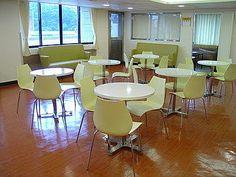 #曲木椅-中國醫藥學院 內湖分院