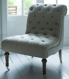 love this chair! I think it is from french dressing French Provincial Furniture, French Country Furniture, Louis Xv Chair, Library Cabinet, Dining Table Chairs, Accent Chairs, Lounge, Outdoor Furniture, House Styles