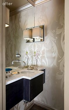 Interior designer Courtney Agosti // a chic powder room.