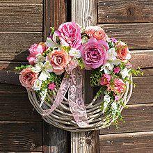 Veniec s ružovými tulipánmi / Hydrangea - SAShE.sk - Handmade Dekorácie Decoration, Diy And Crafts, Floral Wreath, Daughter Quotes, Wreaths, Rose, Creative, Board, Home Decor
