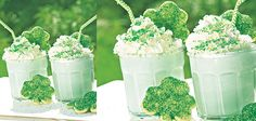 Ingredients Makes:1 cocktail 1 ounce green crème de menthe 1 ounce white crème de cacao 2 scoops vanilla ice cream Pressurized whipped cream Green sandi