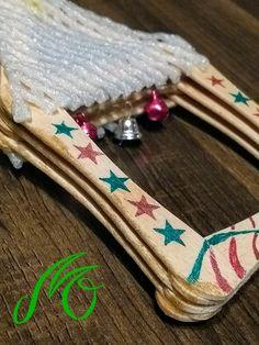Christmas decorations made of icecream popsicle sticks.  (Decorațiuni pentru Crăciun din bețe de înghețată) Rudyard Kipling