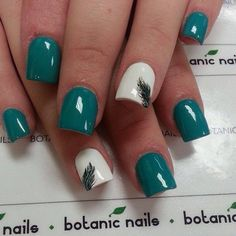 Feather nail art - 40 Examples of Feather Nail Art (spring nail colors teal) Blue Nails, My Nails, Green Nails, Nails Turquoise, Feather Nail Art, Feather Design, Peacock Design, Peacock Nails, Botanic Nails
