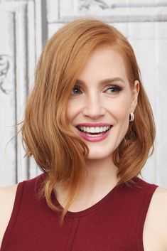 Jessica Chastain Network is a comprehensive website dedicated to Oscar nominee actress Jessica Chastain, containing a large picture gallery, multimedia, news and more. Jessica Chastain, Medium Hair Styles, Short Hair Styles, Actress Jessica, Redhead Girl, Strawberry Blonde, Mannequins, Cut And Color, Hair Trends