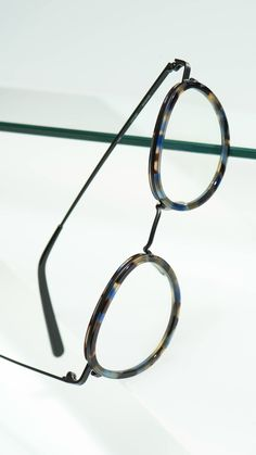 78703156745a9 Perfectly round lenses