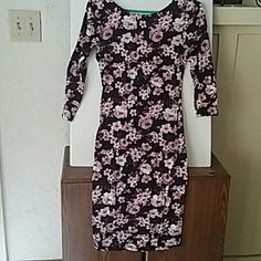 1 HR SALEXxi strecth floral dress Floral dress Dresses Midi
