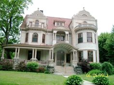 1894 Queen Anne located at: 560 N Prairie St, Galesburg, IL 61401