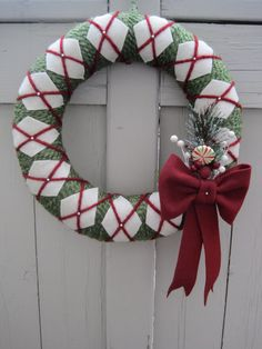 Christmas Wreath Yarn and Felt Front Door Wreath by TrendyTopping...will be making!