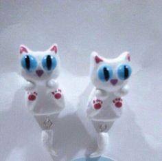 gatos aretes