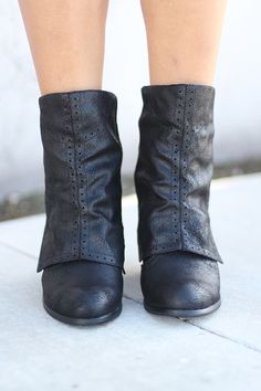 """If you loved our popular B Dad Taupe Boots then you'll go crazy for our NEW Crazy Crinoline Black Booties! With this perfect wrapped heel and button details you'll be asking """"Where have these booties been all my life?! Check out some amazing shoes and leg warmers at our online boutique!"""