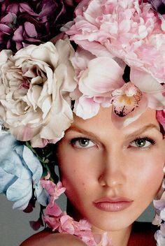 Karlie Kloss/Vogue Italia December 2011 #florals