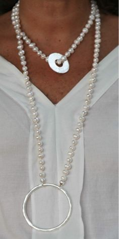 COLARES & PENDUREZAS..... Pearl Jewelry, Sterling Silver Jewelry, Diy Jewelry, Jewelery, Handmade Jewelry, Fashion Jewelry, Jewelry Making, Colar Lariat, Lariat Necklace