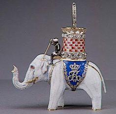 Insigne de l'Ordre de l'Eléphant de Danemark, par Evrard Bapst, ayant appartenu à Louis XVIII.Louvre