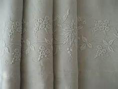 Vintage Bed Linen   I love linens