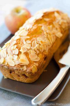 Le cake aux pommes | Les Cocottes Moelleuses