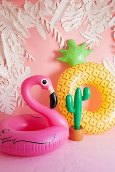 Tropical flamingo girl's Summer birthday party by The Shift Creative