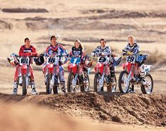 see, girls fit right in so damn true i always ride with several guys its fun seeing the look on their faces when i kick their asses in a race to see who is the fastest i always win Dirt Bike Girl, Dirt Bike Racing, Motocross Racing, Dirt Biking, Enduro, Scrambler Motorcycle, Ride Or Die, My Ride, Motocross Maschinen