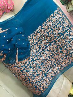 Pakistani Mehndi Dress, Pakistani Clothing, Pakistani Outfits, Designer Punjabi Suits Patiala, Silk Kurti Designs, Punjabi Suits Party Wear, Suits For Women, Clothes For Women, Boutique Suits