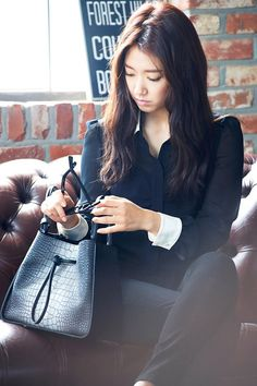 The paparazzi have caught up with Park Shin Hye, but they won't catch her doing anything scandalous! These latest ads, which are shot like paparazzi photos, have been unveiled by Bruno Magli,… Park Shin Hye, Gwangju, Korean Actresses, Korean Actors, Fashion Words, Paparazzi Photos, Kim Woo Bin, Korean Entertainment, Korean Star