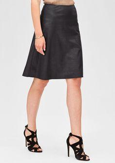 Eleganter Rock in Leder-Optik von s.Oliver. Entdecken Sie jetzt topaktuelle Mode für Damen, Herren und Kinder online und bestellen Sie versandkostenfrei.
