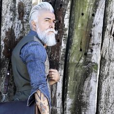 Would Combine With Any Piece Of Clothes. - Luxe Fashionably Ideas- New Trends - Luxe Fashionably Ideas- New Trends Stylish Mens Haircuts, Stylish Mens Outfits, Beard Game, Beard Model, Silver Foxes, Great Beards, Men With Grey Hair, Long Beards, Beard Grooming