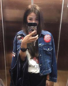 "272 Likes, 4 Comments - ⭐️許路兒⭐️ (@lurehsu) on Instagram: ""好久沒有把頭髮吹直#lurehsu #許路兒 #moussy #moussyhk #masionmargiela"""