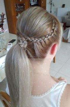 3 Persevering Cool Ideas: Middle Aged Women Hairstyles Curly pixie hairstyles with headbands.Women Hairstyles Medium New Looks braided hairstyles with bangs. Hairstyles With Glasses, Wedge Hairstyles, Older Women Hairstyles, Feathered Hairstyles, Everyday Hairstyles, Hairstyles With Bangs, Trendy Hairstyles, Braided Hairstyles, Updos Hairstyle
