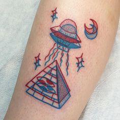 Cute red and blue 3D tattoos by Winston the Whale. |funpalstudio| art artist art artist artwork creativity entertainment illustration beautiful drawings color watercolor tattosart design