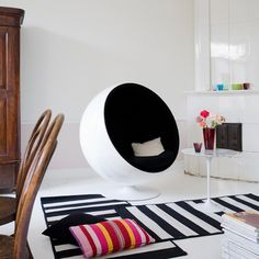 Designerchairs24, the webshop for replica designer chairs