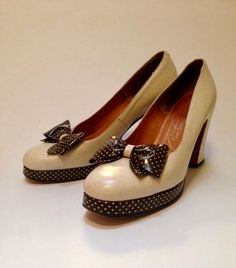 d9bdd902750424 Vintage 1960s does 40s Platform Style Shoes