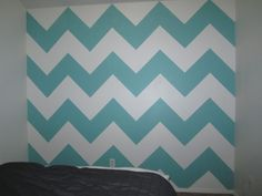 Step by step an how to paint a chevron wall! Thinking about redoing my room:) With chevron bedding (mint green, a yellowish toned down mustard color gray and white) CHEVRON! (My new obsession)