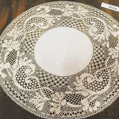 Clearly not made by me ! Binche , the most difficult lace. Student exhibition at my school Needle Lace, Bobbin Lace, Lacemaking, Linens And Lace, Lace Patterns, I School, Irish Crochet, Doilies, How To Make