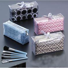Estuche de maquillaje c/brochas en caja y lazo