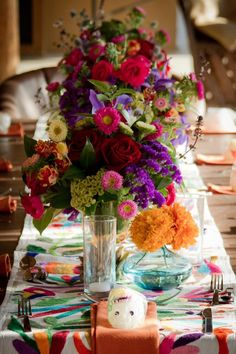 I'm in love with mexican inspired weddings right now!! Why not I'm mexican! Lol