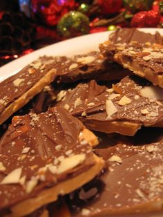 Toffee Looks so easy its going to be a must try - 'tho I'll be swapping out the nuts with rice crispies
