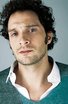 Claudio Santamaria, doppiatore di Nemesi in #Goodhero