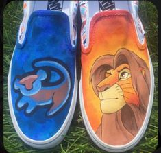 Disney Painted Shoes, Painted Canvas Shoes, Custom Painted Shoes, Painted Vans, Hand Painted Shoes, Disney Vans, Disney Shoes, Disney Outfits, Vans Shoes Fashion