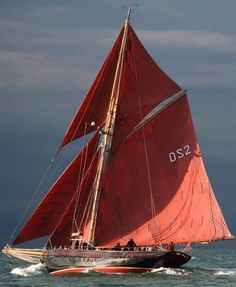 Jolie Brise , gaff-rigged Pilot Cutter, 1913 Photo by Roger McCallum Yacht Endeavour photo by Michael Kahn Am. Classic Sailing, Classic Yachts, Boat Art, Old Boats, Love Boat, Boat Stuff, Yacht Boat, Sail Away, Set Sail