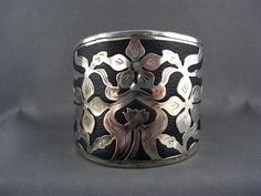 WIDE BOLD Vintage SILVER Tone Cuff FLOWING Openwork Cut Out Floral Design