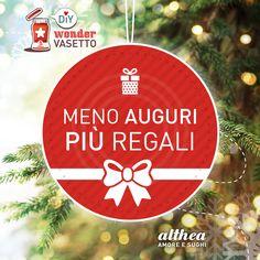 Il Natale si avvicina. Per sopravvivere alle feste scarica il nostro set di palline natalizie http://www.sughialthea.it/wondervasetto/ e fatti un sorriso! #handmade #craft #diy