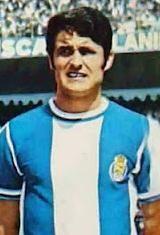 Almeida - João Luis Pinto de Almeida nasceu no dia 25 de setembro de 1943 em Vila Nova de Gaia. Começou a jogar futebol nas camadas jovens do Varzim S.C. Em 1960/61, ainda júnior, ingressou no Futebol Clube do Porto onde se estreou a nível profissional na temporada seguinte. Nas Antas permaneceu até ao final da época de 1968/69. Foram oito temporadas onde conquistou a Taça de Portugal em 1968 e a Taça Associação de Futebol do Porto em 1961/62, 1962/63, 1963/64, 1964/65 e 1965/66. Foi um dos…