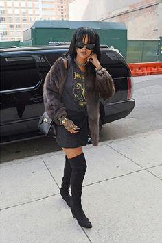 Rihanna Puts a Rock-Star Spin on Ladylike Dressing – Vogue